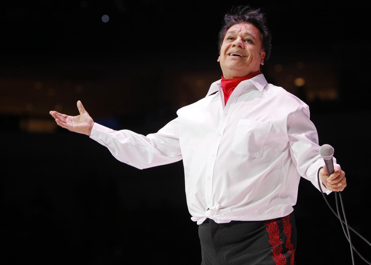 Juan Gabriel durante su concierto la noche del jueves en el American Airlines Center, en Dallas. (ESPECIAL PARA AL DÍA/BEN TORRES)