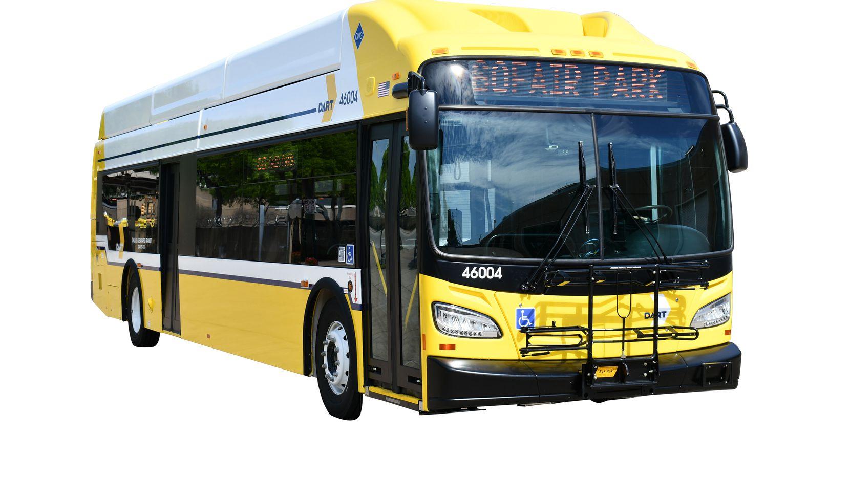 Autobuses New Flyer iniciarán sus rutas a partir de agosto. CORTESÍA