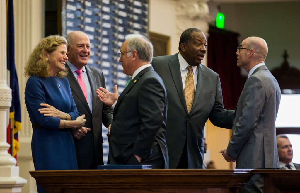 Sen. Kirk Watson (center) talked with Rep. Donna Howard and Sen. Kel Seliger, while Sen. Royce West (second from right) chatted with Speaker of the House Dennis Bonnen during the 86th Texas Legislature on Jan. 10, 2019.