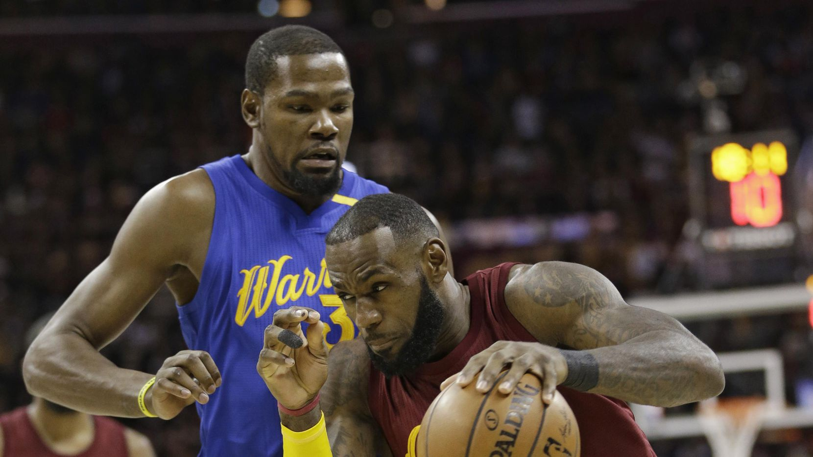 El delantero de los Cavaliers LeBron James jugará su séptima final de la NBA. (AP/Tony Dejak)