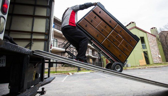 Si usted está por mudarse a un apartamento, debe saber qué cuotas hay que pagar y cómo minimizar sus gastos. (DMN/ARCHIVO)