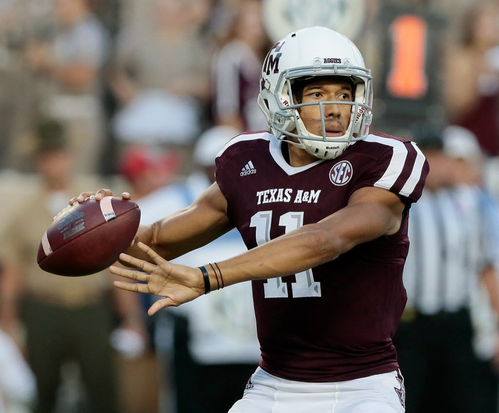 COLLEGE STATION, TX - OCTOBER 07:  Kellen Mond #11 of the Texas A&M Aggies looks for a receiver in the first quarter against the Alabama Crimson Tide at Kyle Field on October 7, 2017 in College Station, Texas.  (Photo by Bob Levey/Getty Images)