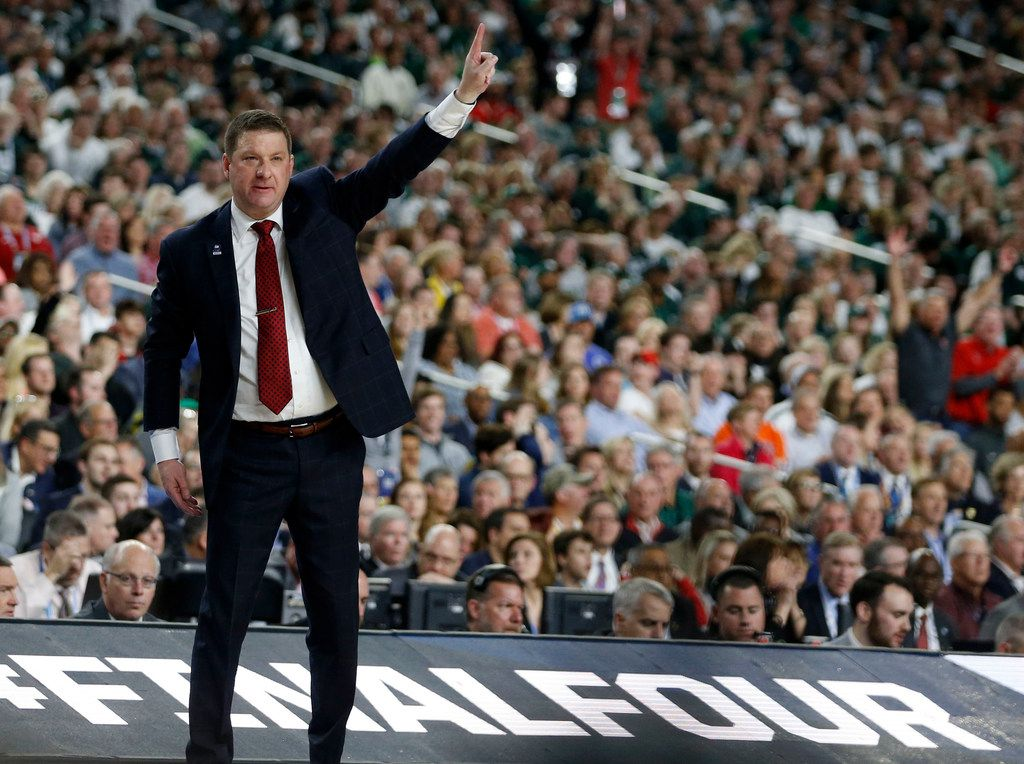 Texas Tech Red Raiders head coach Chris Beard communicates to his players in a game against the Michigan State Spartans during the second half of play in the semifinals of the Final Four NCAA college basketball tournament at U.S. Bank Stadium in Minneapolis on Saturday, April 6, 2019. Texas Tech Red Raiders defeated the Michigan State Spartans 61-51. (Vernon Bryant/The Dallas Morning News)