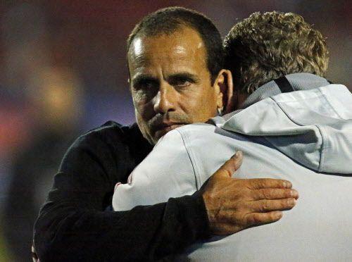 Oscar Pareja, renovó su contrato como DT del FC Dallas. Foto DMN