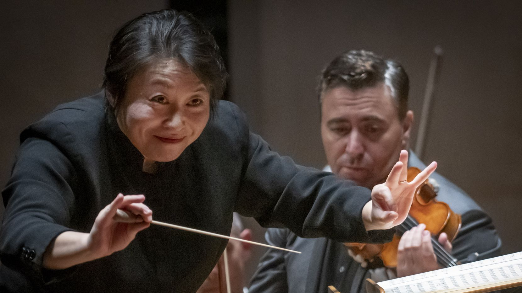 Guest conductor Xian Zhang and violinist Maxim Vengerov perform Max Bruch's 1866 G minor Violin Concerto with the Dallas Symphony Orchestra.