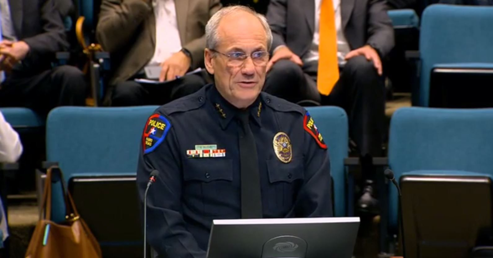 Plano to bring school resource officers back to its middle