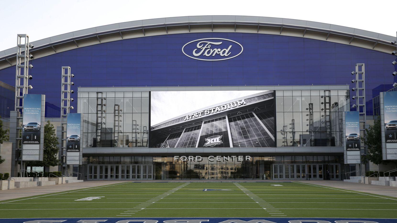 La pantalla gigante del Tostitos Championship Plaza pasará el juego de Dallas Cowboys vs. Washington Redskins, el domingo.