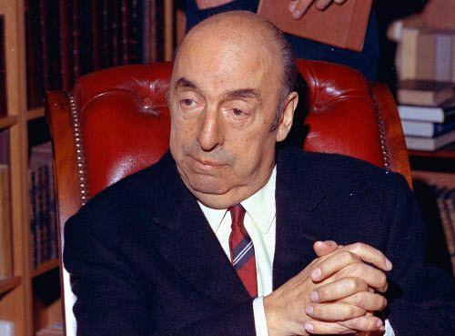 Pablo Neruda en una foto de archivo de 1971. (AP Photo/Michel Lipchitz, File)
