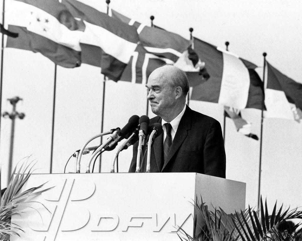 Former Dallas mayor J. Erik Jonsson in 1973.