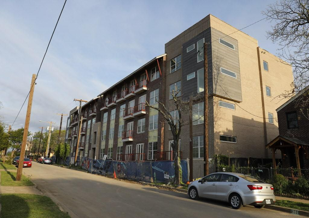 The Bishop Highline, un complejo de apartamentos en construcción en Bishop Arts. (DMN/DAVID WOO)