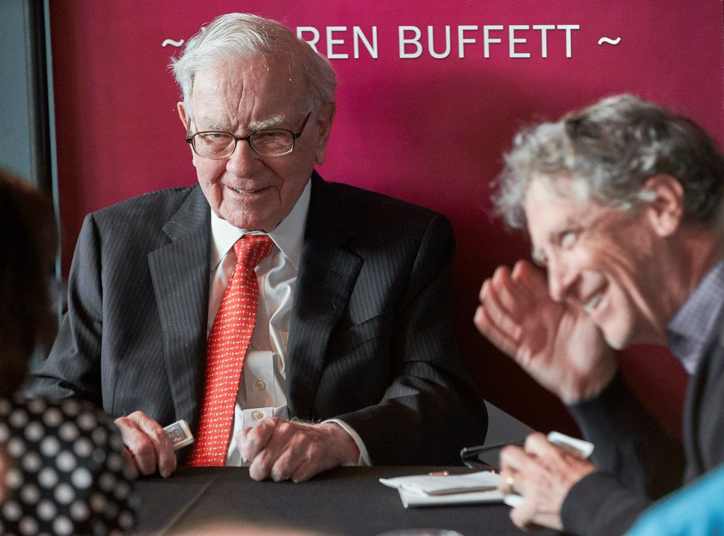 Warren Buffett plays bridge with Gill Gates after the annual Berkshire Hathaway shareholders meeting in Omaha, Neb., on May 5.