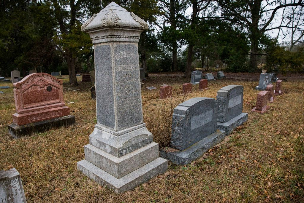 Headstones for Stoneham family members stand in the Stoneham Cemetery in Stoneham, Texas. The town was named after the Stoneham family, whose century-old ranch is in the proposed path of high-speed rail. (Ashley Landis/The Dallas Morning News)