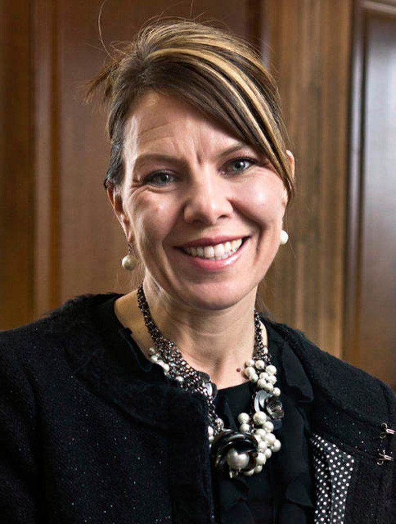 In this 2017 photo, Jennifer Riordan, of Albuquerque, N.M., poses for a photo. Family, friends and community leaders are mourning the death of Riordan, a bank executive on a Southwest Airlines jet with an engine that failed as she was flying home from a business trip to New York. (Marla Brose/The Albuquerque Journal via AP)