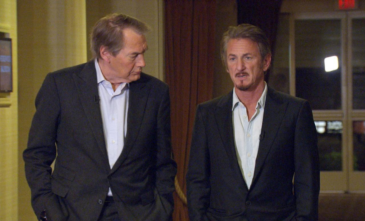 """El periodista Charlie Rose (izq.) junto al actor Sean Penn, que fue entrevistado para """"60 Minutes"""", de CBS..(AP)"""