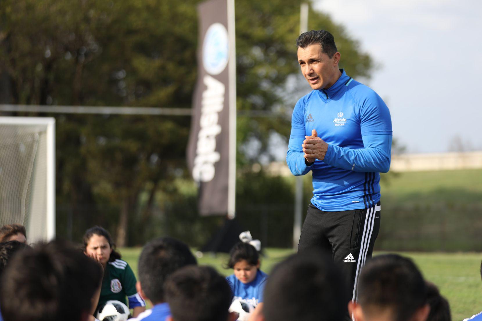 Adolfo Ríos en un evento reciente en Dallas.