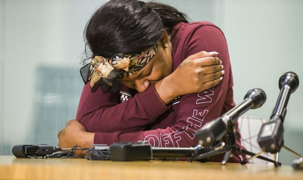 L'Daijohnique Lee durante una rueda de prensa sobre el incidente en el que golpeada por Austin Shuffield. DANIEL CARDE/DMN