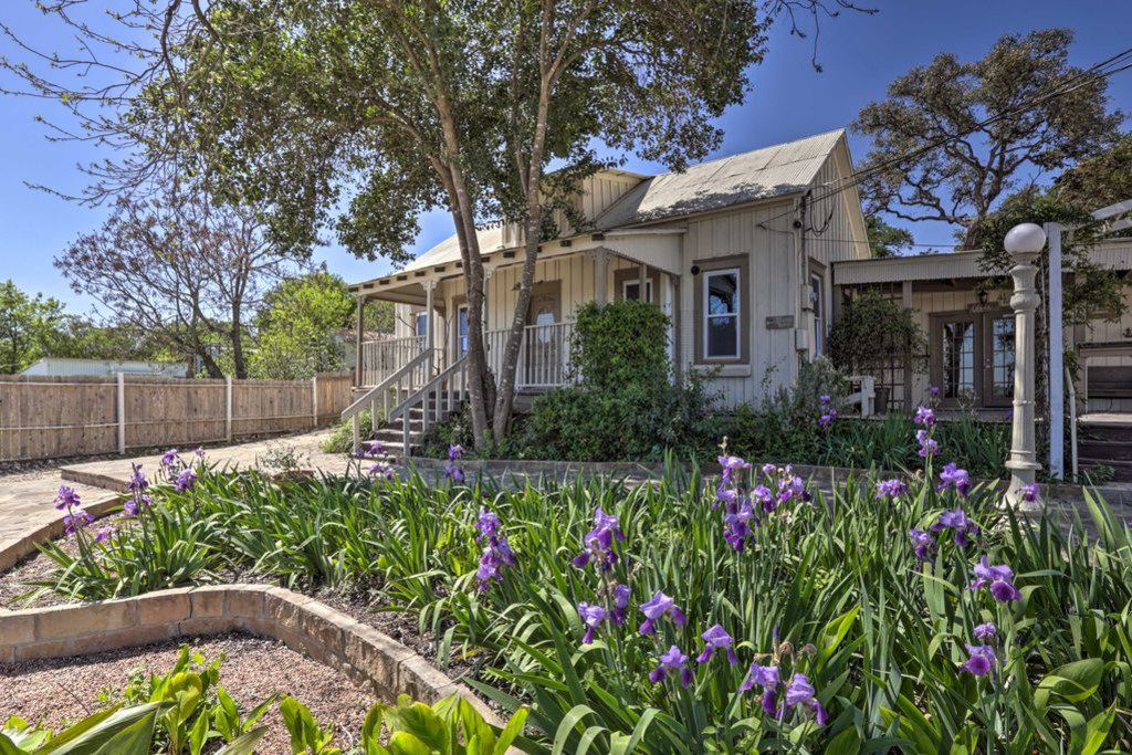 A look at the Charming New Braunfels Home listing on VRBO.