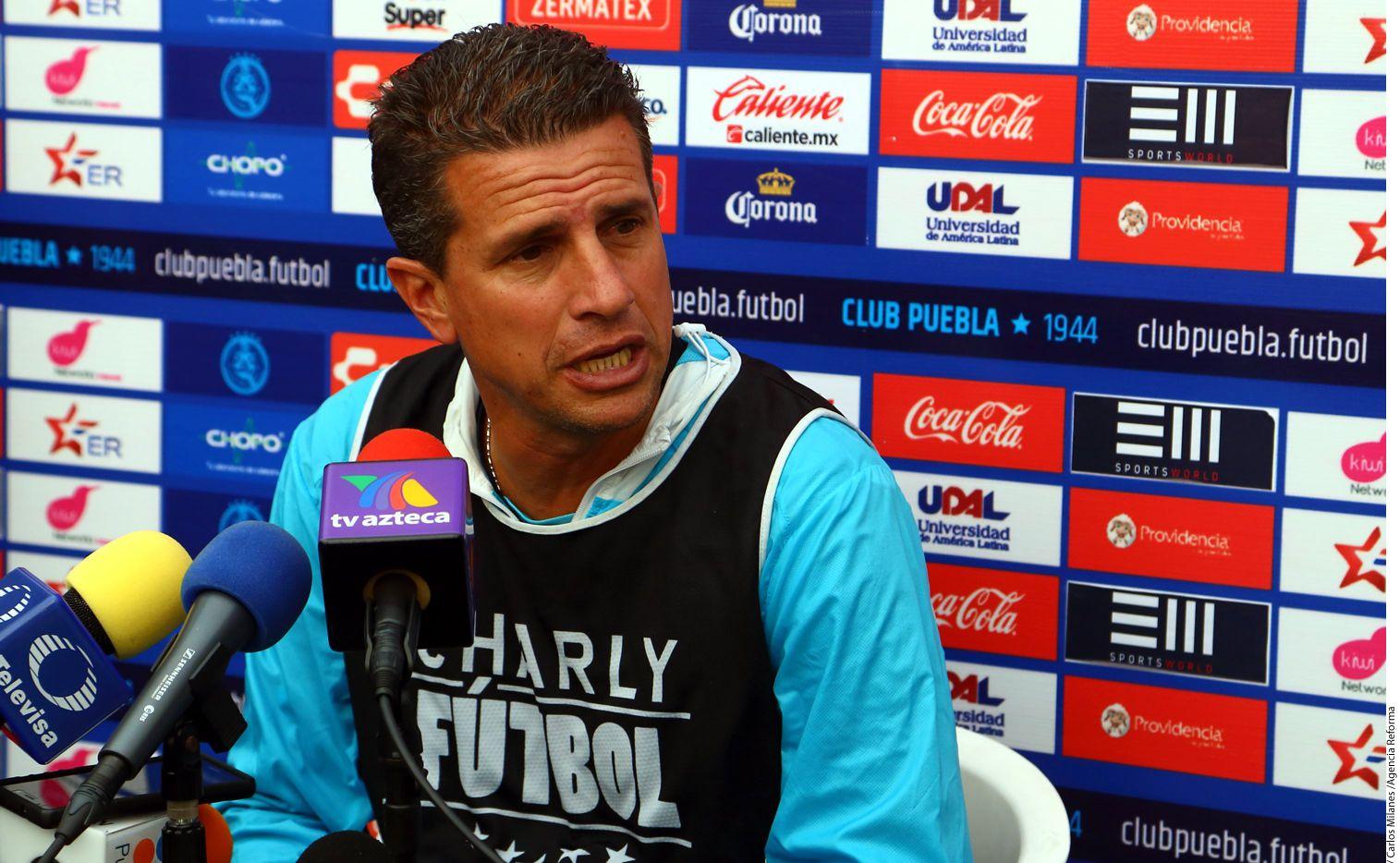 Tras sumar un punto de 12 posibles en el Clausura 2017, Ricardo Valiño dejó de ser el entrenador del Puebla, convirtiéndose en el primer timonel que pierde su trabajo en el certamen./ AGENCIA REFORMA