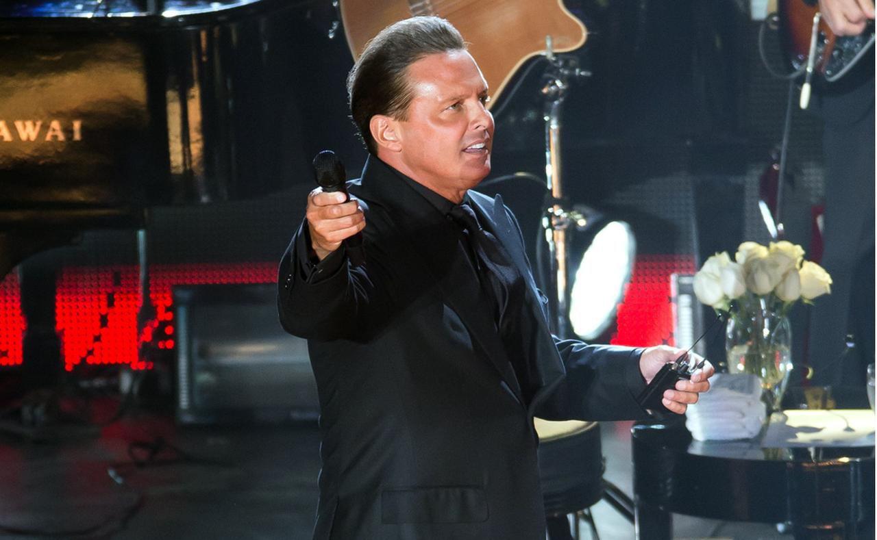 Luis Miguel repuso sus fechas canceladas en noviembre para conciertos el 30 de marzo, y el 1, 2, y 3 de abril.(AGENCIA REFORMA)