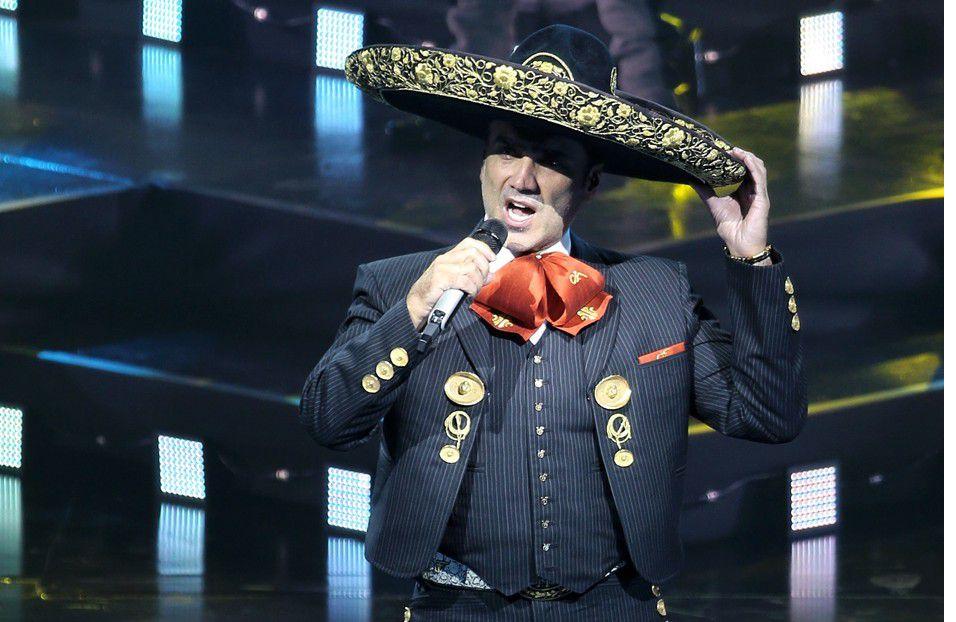 El cantante Alejandro Fernández (foto) reprueba la manera en la que Donald Trump, candidato republicano a la Presidencia de Estados Unidos, se ha manifestado en contra de los paisanos que viven en aquel país.