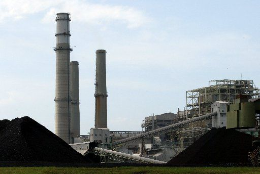 A 2003 file photo of Luminant's Monticello coal-fired power plant near Mount Pleasant. One of the state's largest coal plants is closing in January, forced out of business by cheap natural gas. In recent years, it's only operated only seasonally.