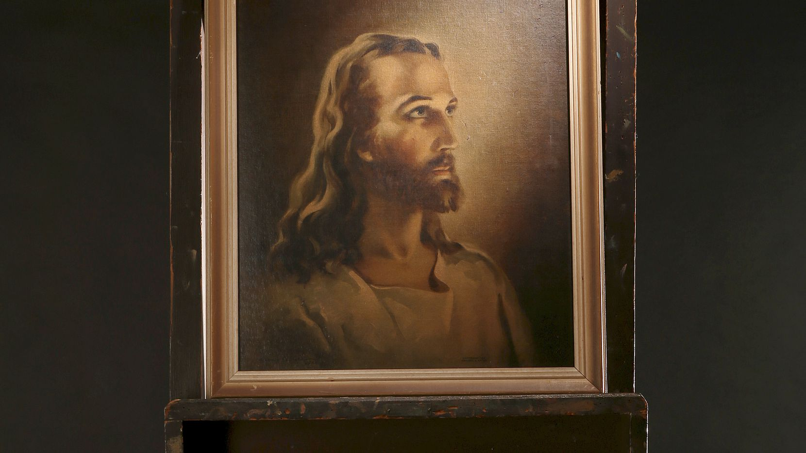 A replica of the Head of Christ by Warner Sallman is shown on Sallman's easel, which his grandson Steve Sallman keeps in his Dallas home.