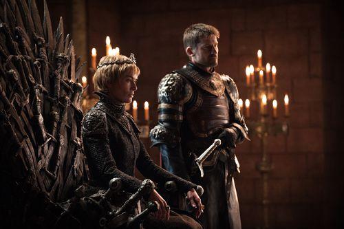 Lena Headey, Nikolaj Coster-Waldau en una escena de Game of Thrones, que estrena el 14 de abril su última temporada. Foto HBO