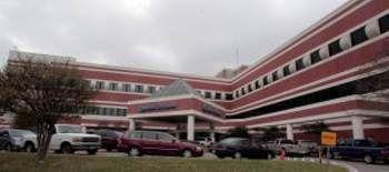 El VA Hospital de Oak Cliff tuvo que ser evacuado por una amenaza de bomba el lunes.