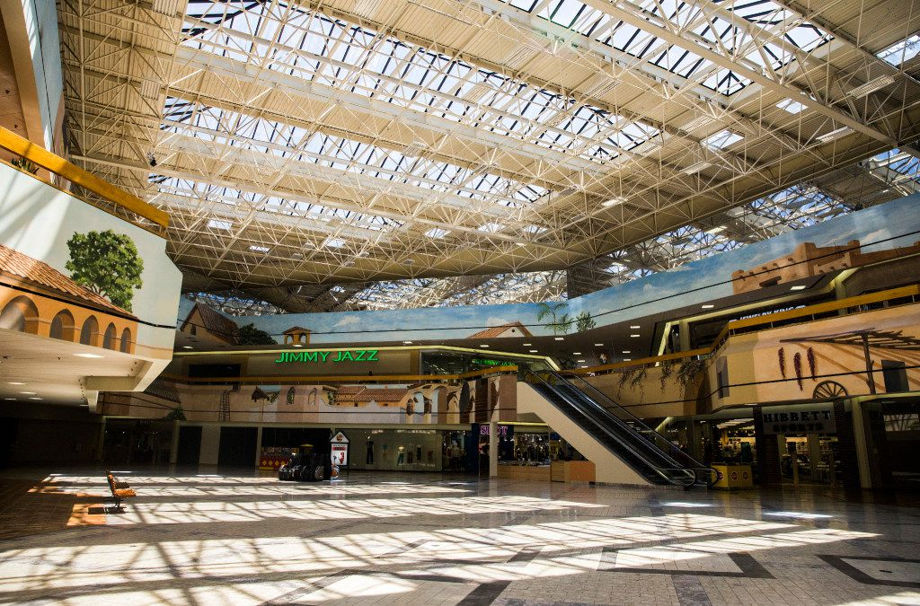 The main atrium of Southwest Center Mall, which will undergo major renovations and be renamed Redbird Mall, on Wednesday, June 21, 2017 at Southwest Center Mall in Oak Cliff. (Ashley Landis/The Dallas Morning News)