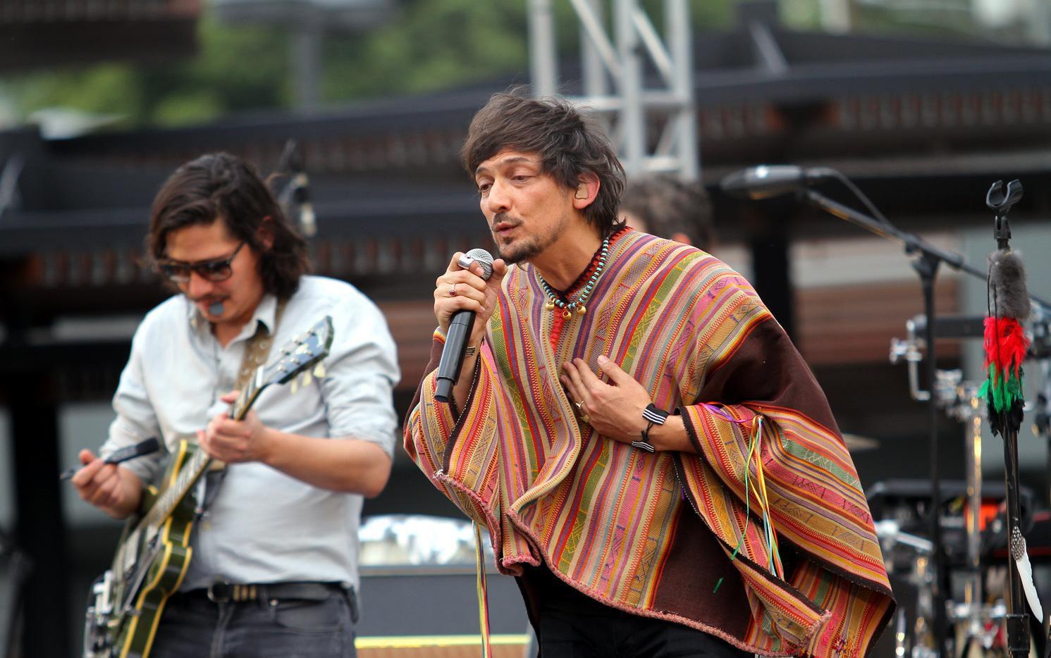 León Larregui (der.) líder de la banda escribió 12 de los temas del álbum 'Aztlán'.(AGENCIA REFORMA)