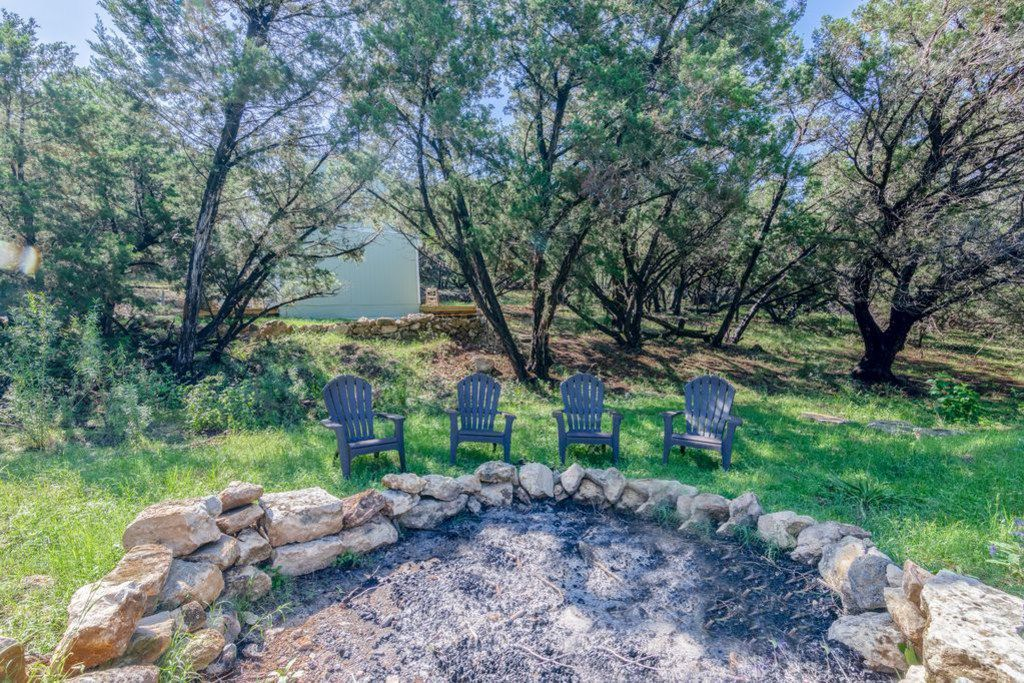 A look at the Juniper Hollow listing in VRBO.