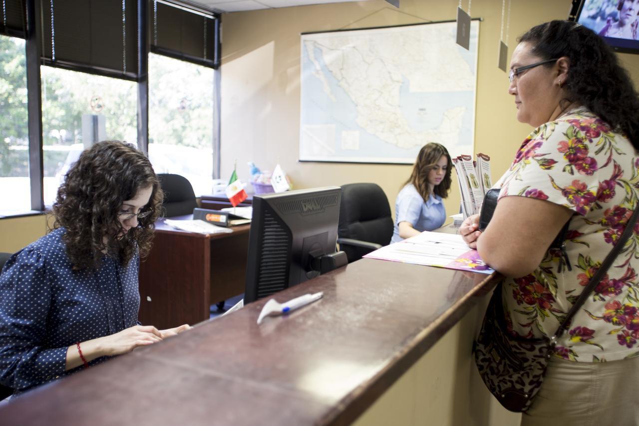 El permiso para viajar a México se puede verificar en el Consulado, en la oficina de Banjército. (ESPECIAL PARA AL DÍA/MARÍA OLIVAS)