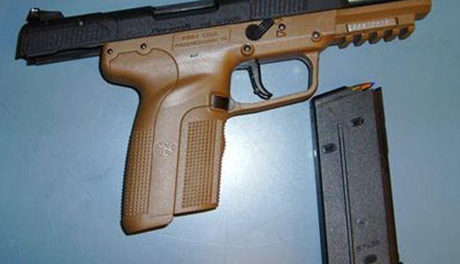 Los decomisos de armas de fuego van en aumento en aeropuertos de Estados Unidos, y en Dallas/Fort Worth es donde se ha incautado el mayor número. (AP/ARCHIVO)