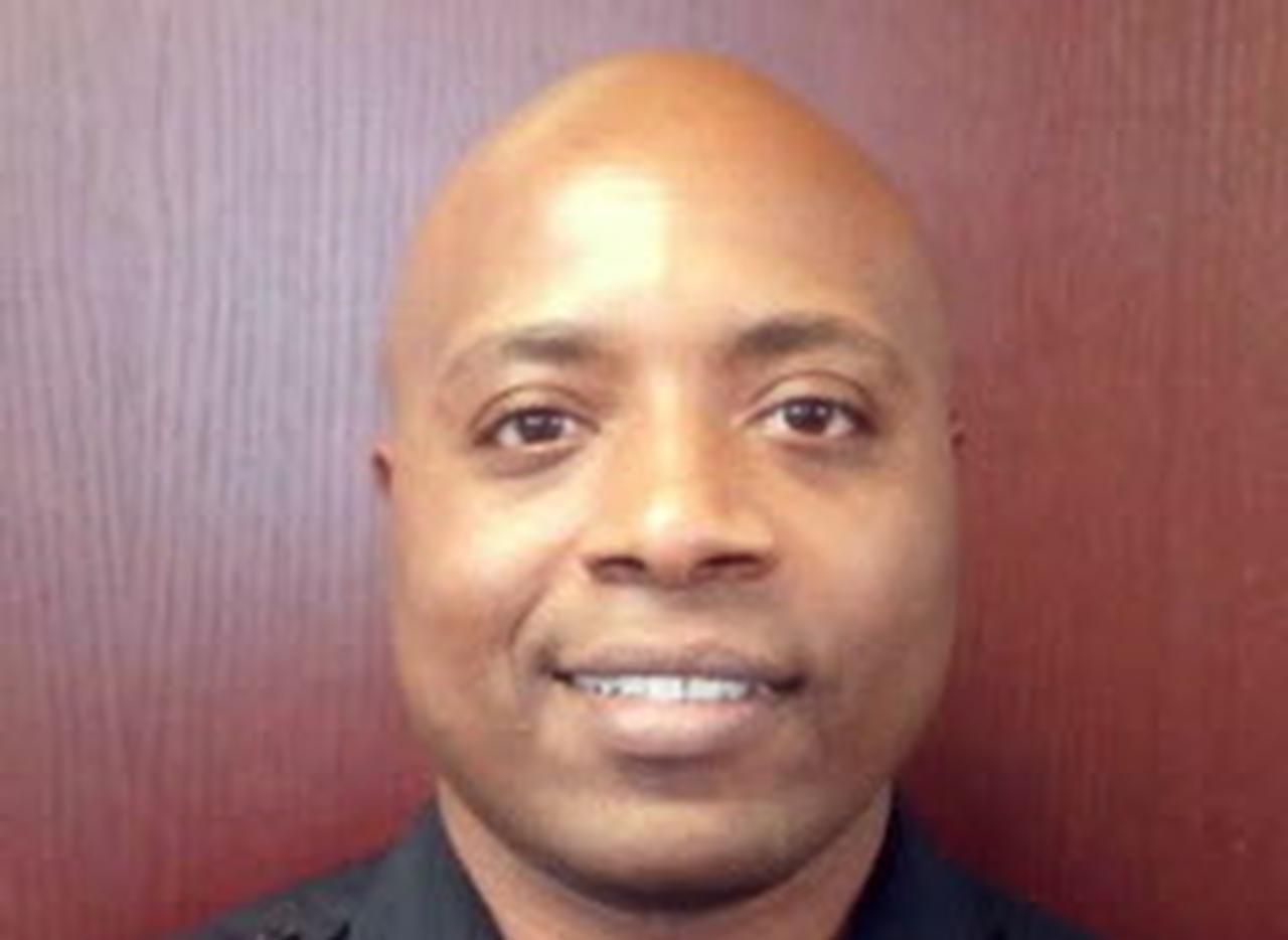 El agente Ken Johnson de la policía de Farmers Branch.(AP)