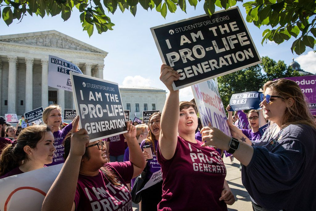 Demonstrators on both sides of the abortion issue demonstrate in front of the Supreme Court on June 25, 2018. (AP Photo/J. Scott Applewhite)