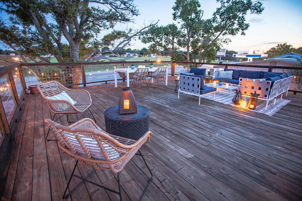 The deck at Stonewall Motor Lodge is a communal gathering space.