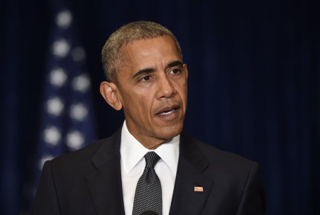 El presidente Barack Obama ofrece comentarios sobre los incidentes en Dallas, en Varsovia , Polonia el viernes 8 de julio de , 2016, antes de asistir a la cumbre de la OTAN. (Susan Walsh/Foto AP)