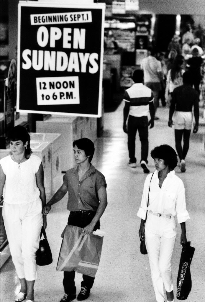 In 1985, a sign at Valley View reminded shoppers about the new Sunday hours. That's the year when Gov. Mark White approved a repeal of the blue law, which banned selling 42 categories of merchandise on consecutive Saturdays and Sundays (this pretty much amounted to a Sunday shopping ban).