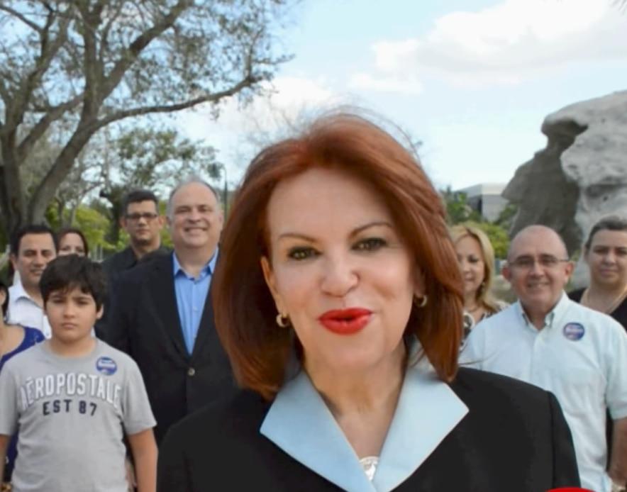 Bettina Rodriguez Aguilera  en un video de campaña del 2004. FOTO TOMADA DE YOUTUBE