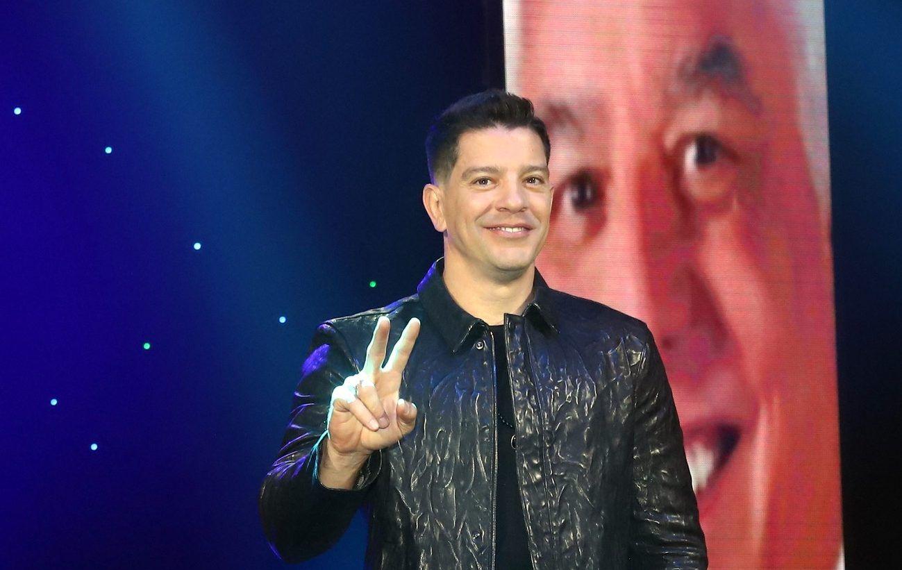 El coach de La Voz lanzó el sencillo 'Entre Nosotros Dos' recientemente. (AGENCIA REFORMA)