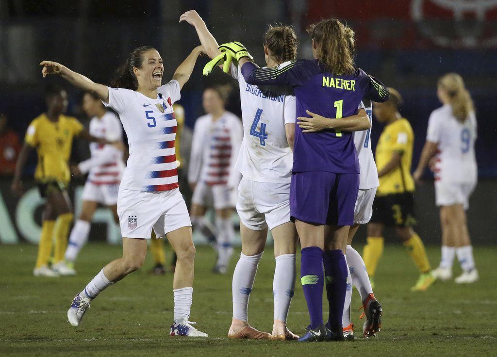 Estados Unidos concretó su pase al Mundial con un triunfo 6-0 sobre Jamaica en el torneo clasificatorio de CONCACAF. (AP Photo/Andy Jacobsohn)