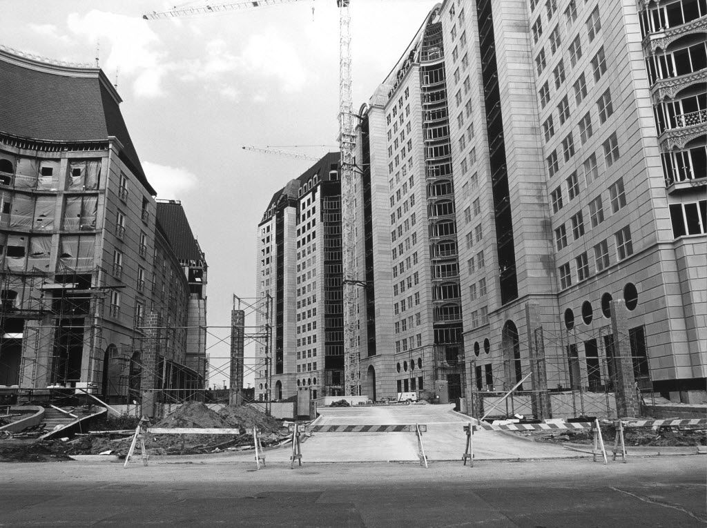 Under construction in 1985, the roadway between the Crescent office towers and Crescent Court Hotel was inspired by New York's Park Avenue, architect Philip Johnson said. Philip Shepherd hired Johnson to help construct the project in the early 1980s.