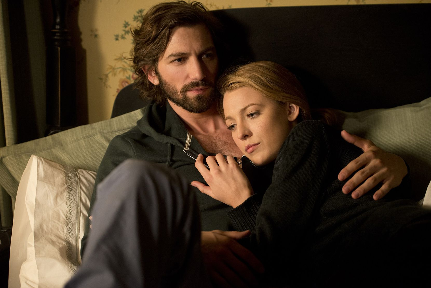 Michiel Huisman and Blake Lively in The Age of Adaline.