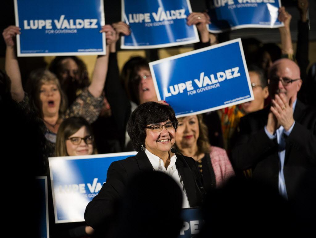 Lupe Valdez lanzó su candidatura a la gubernatura el domingo en Tyler Station, en Oak Cliff.  ASHLEY LANDIS/DMN