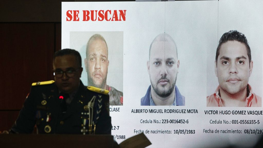La policía de Santo Domingo buscaba a tres sospechosos de intentar asesinar al ex beisbolista David Ortiz. (AP Photo/Roberto Guzman)