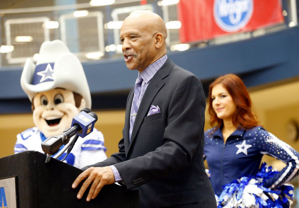 Former Dallas Cowboys receiver Drew Pearson spoke during the Souper Bowl of Caring annual food drive kickoff event at the University of Texas-Arlington's Maverick Activities Center, Wednesday, January 18, 2017. The Dallas Cowboys Cheerleaders and mascot Rowdy were in attendance. All donated items will benefit Mission Arlington's food pantry. (Tom Fox/The Dallas Morning News)