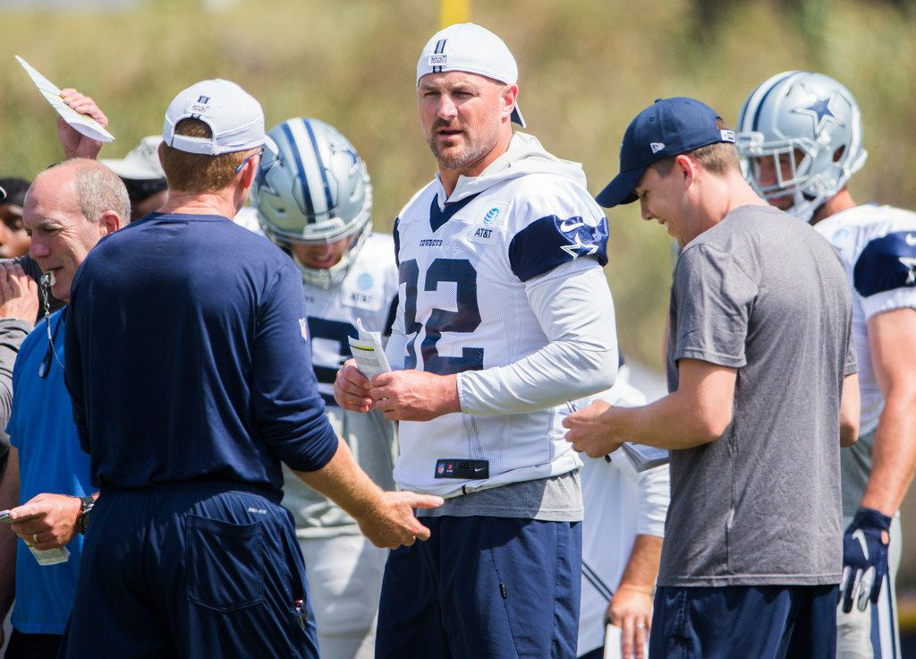 Dallas Cowboys tight end Jason Witten (82) talks with head coach Jason Garrett and offensive coordinator Kellen Moore during a morning practice at training camp in Oxnard, California on Tuesday, July 30, 2019. (Ashley Landis/The Dallas Morning News)