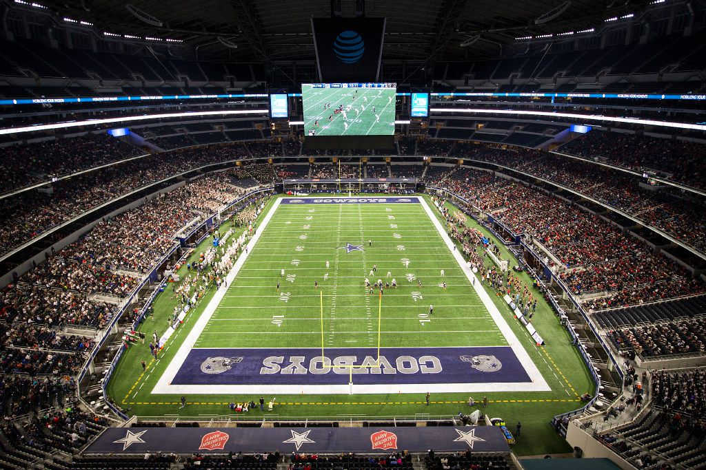 Lake Travis faces The Woodlands during the first half of the UIL Class 6A Division I state football championship football game at AT&T Stadium on Saturday, Dec. 17, 2016, in Arlington. (Smiley N. Pool/The Dallas Morning News)