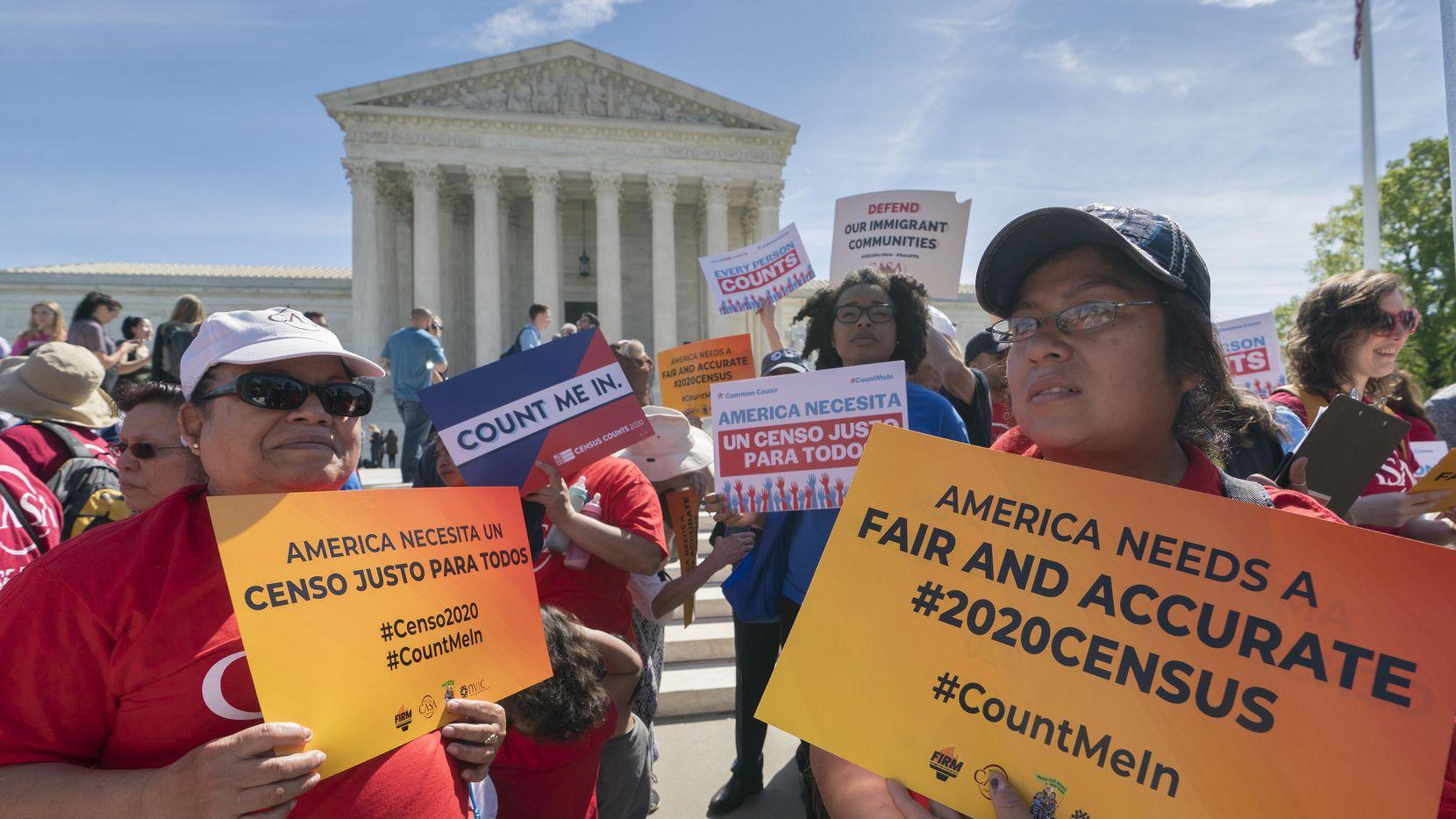 Hasta ahora, tres cortes federales han bloqueado el pedido del Departamento de Comercio de agregar la pregunta de ciudadanía al formulario del censo, fallando que la pregunta podría desalentar la participación de muchos inmigrantes en el conteo.  (AP Photo/J. Scott Applewhite) (AP/J. Scott Applewhite)
