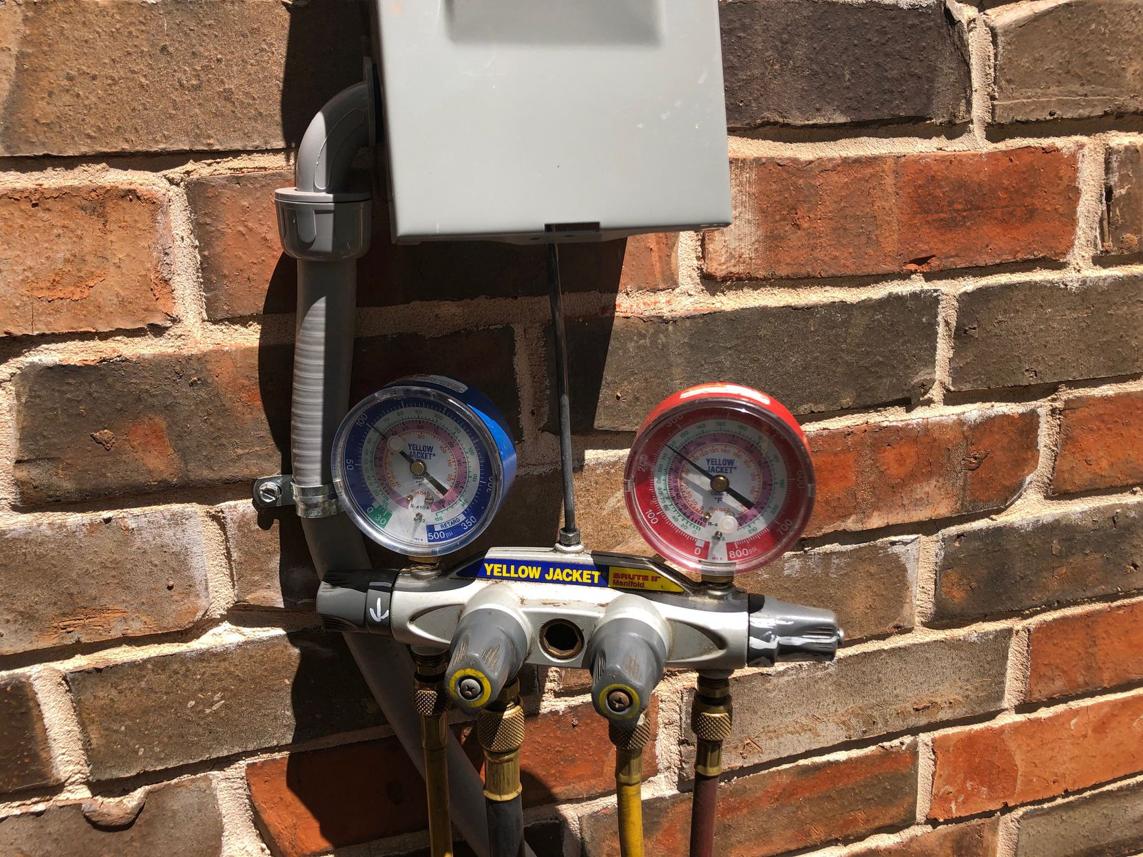 Watchdog Dave Lieber took this photo of the meter that measured the Freon leak at his house. It was 8 pounds — an environmental hazard and a tremendous waste of money to fill it up again.